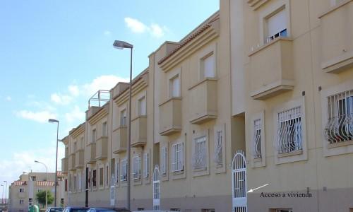 1-fachada-a-calle-los-santos